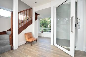 Picture of a home lift